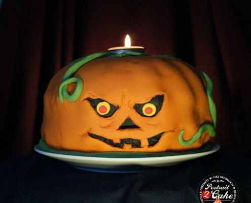 Halloween party bundt cake decoration ideas