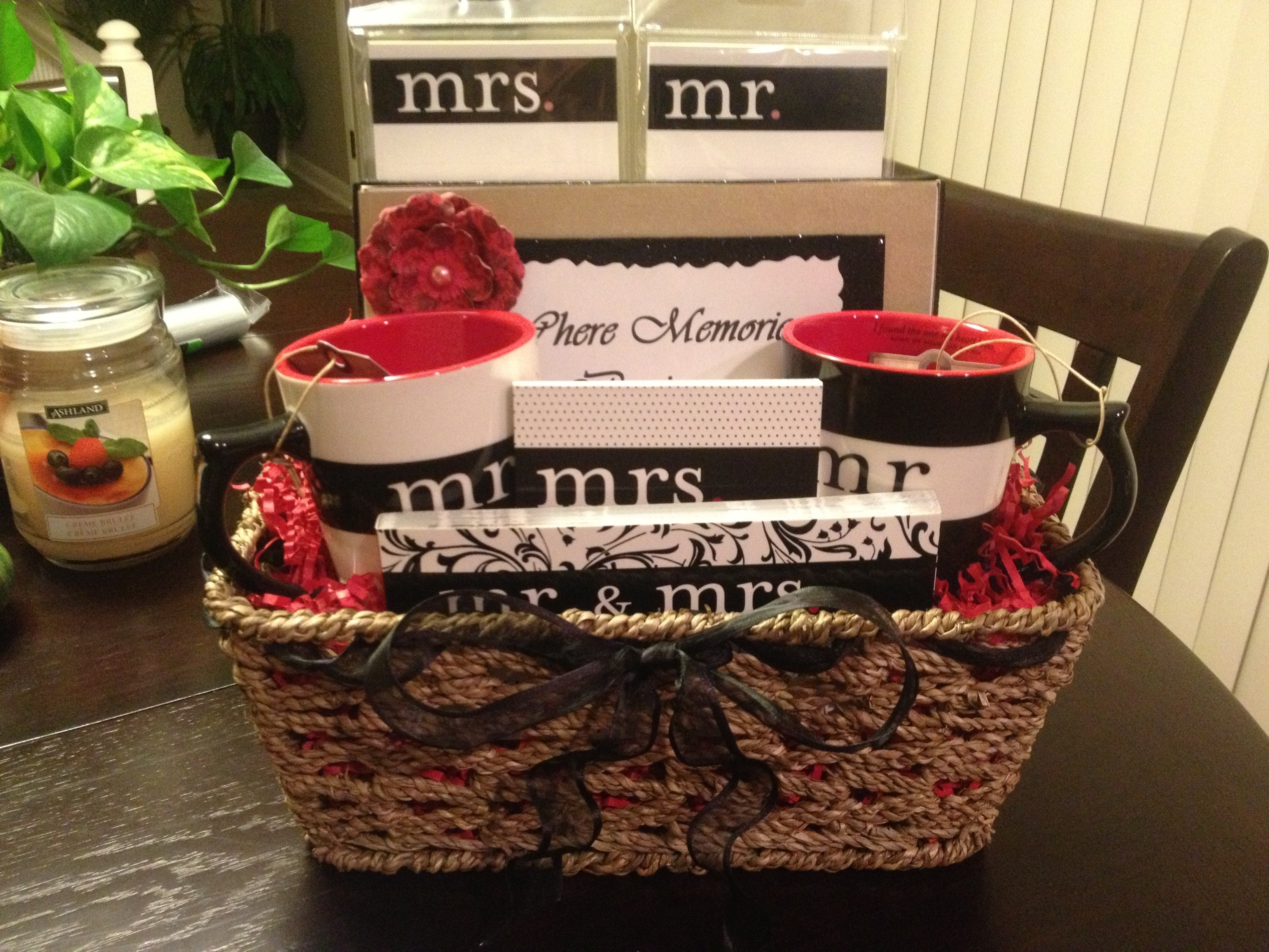 10 Ideal Bridal Shower Gift Basket Ideas 2019