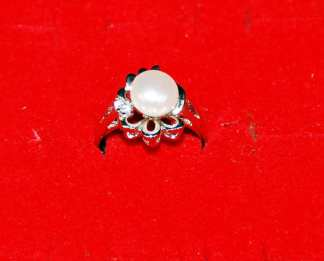 Single White Pearl Like Ring