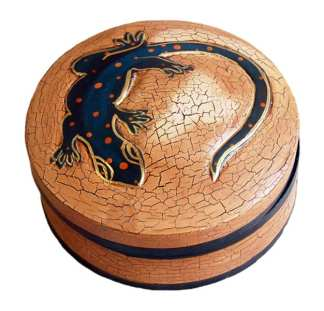 Round Tan box with Gecko on Top