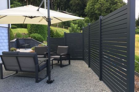 Privacy fence black rhombus different hights