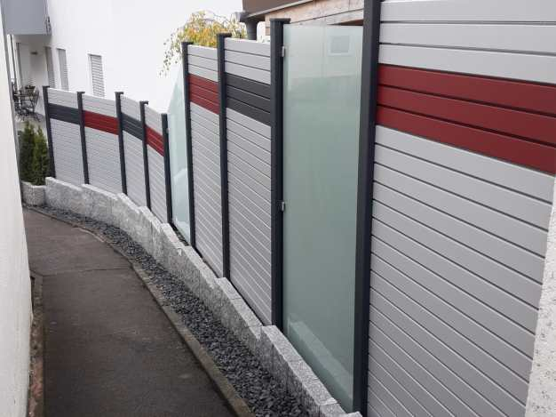 fence rhombus white grey red and glass