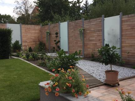 project fence with wood and frosted glass