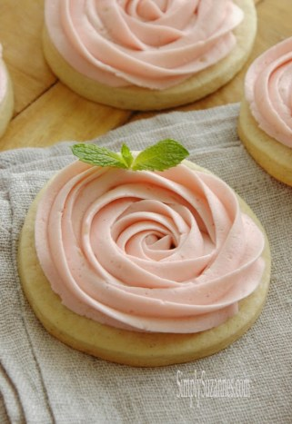 Rosette Vanilla Bean Sugar Cookies – recipe and tutorial shared by Simply Suzanne's