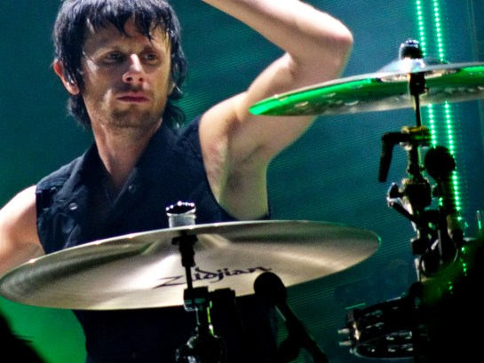 Dominic Howard, aux Vieilles Charrues, le 16 juillet 2015. (photo: Léa Fochesato)