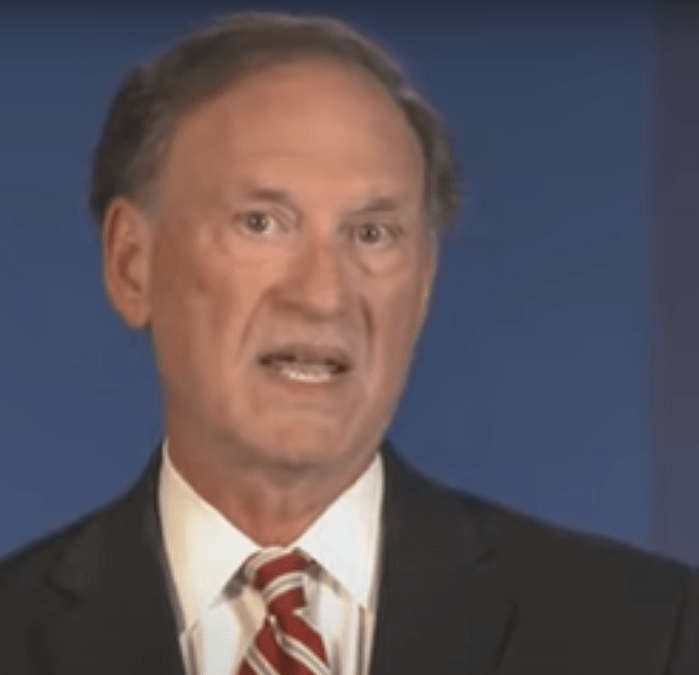 Justice Alito Goes Scorched Earth on Democrat Senator for Pushing an 'Affront to the Constitution and the Rule of Law'