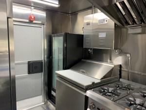 Food Truck bahn nork kitchen inside