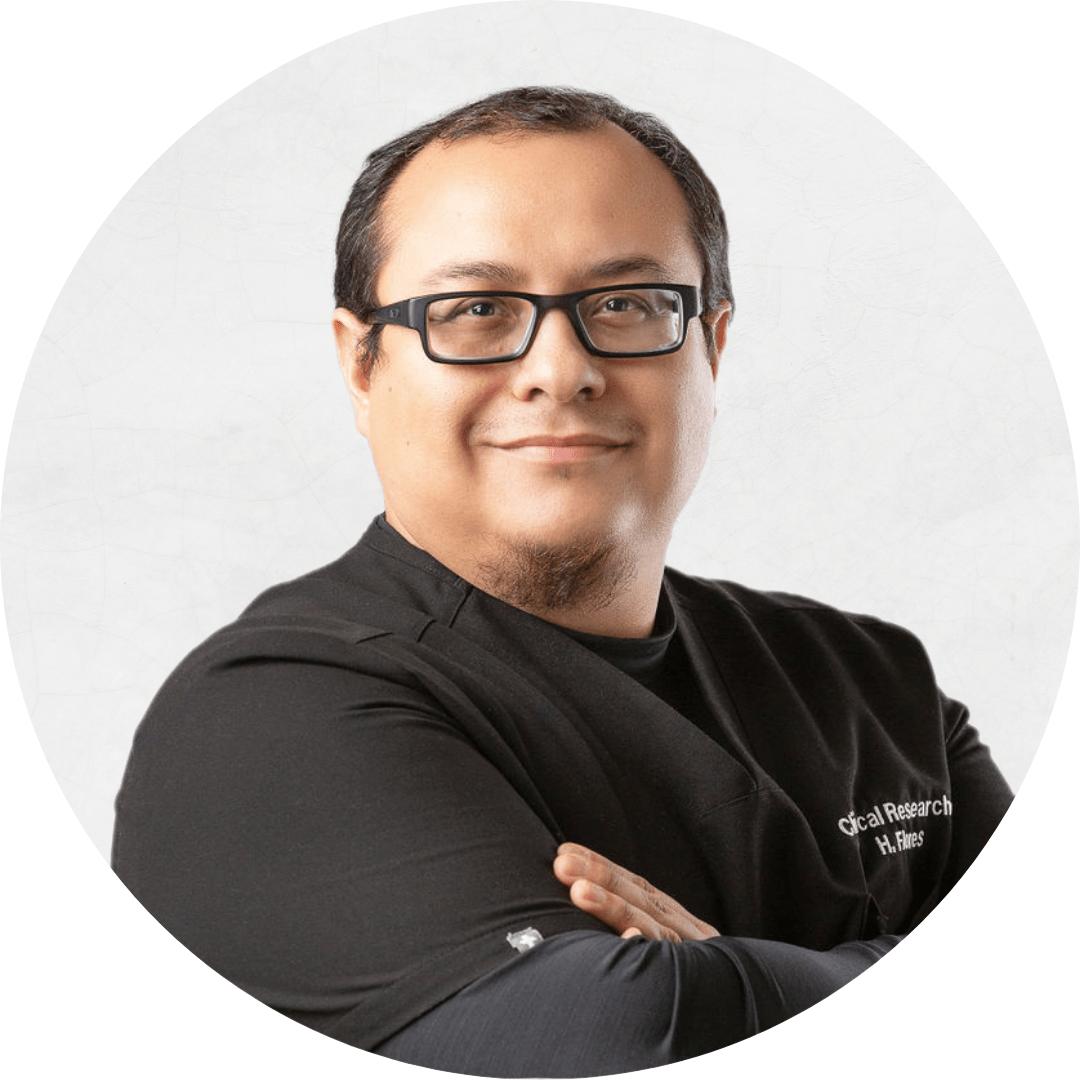 Hector Flores (2)
