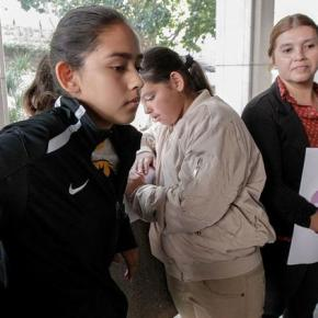 Lawyers settle criminal cases against Los Angeles father detained by ICE in front of daughter
