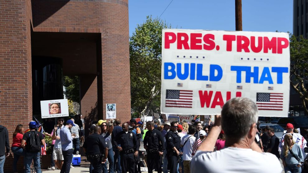 180830_Build-the-Wall-Protest.jpg