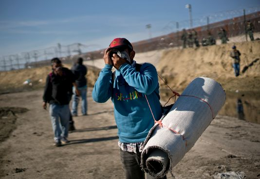 8edf68f8-3dca-4430-b496-8a0a7aa0000f-AP_Central_America_Migrant_Caravan.jpg