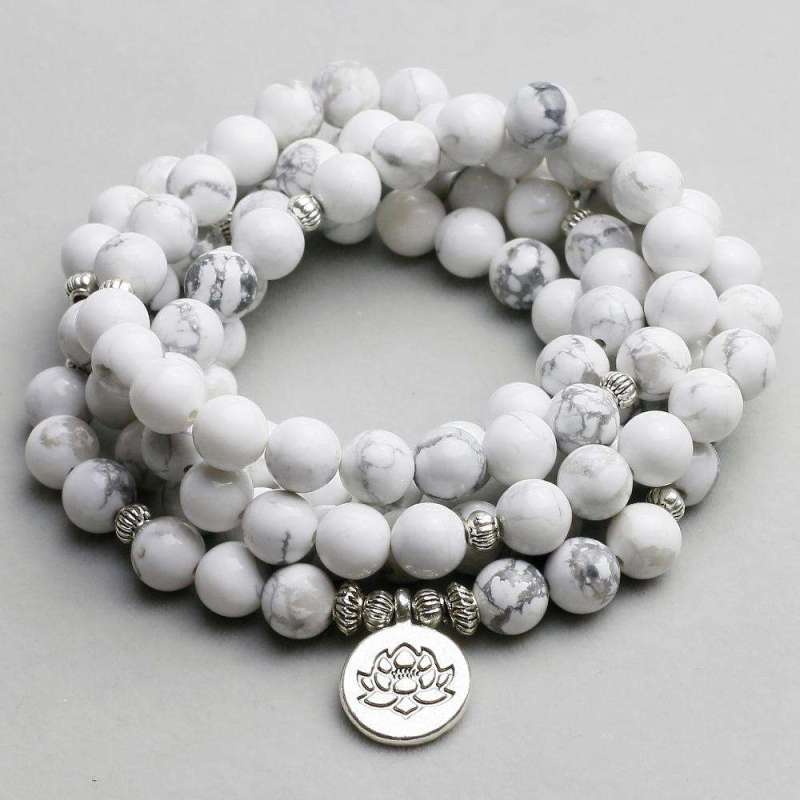 "Bracelet Mala ""Lotus"" de 108 perles en Howlite - L'univers-karma"