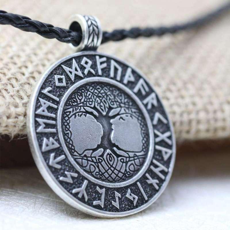 Collier Runique Viking Yggdrasil - L'univers-karma