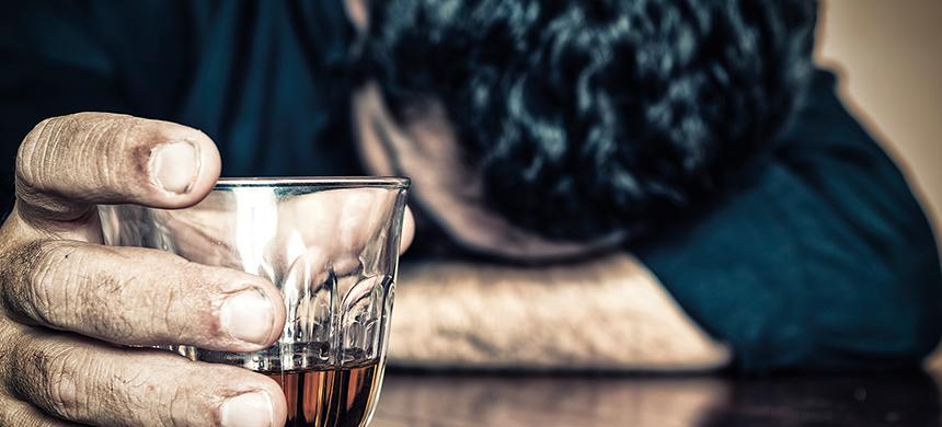Pancreatitis por consumo excesivo del alcohol puede resultar en la muerte