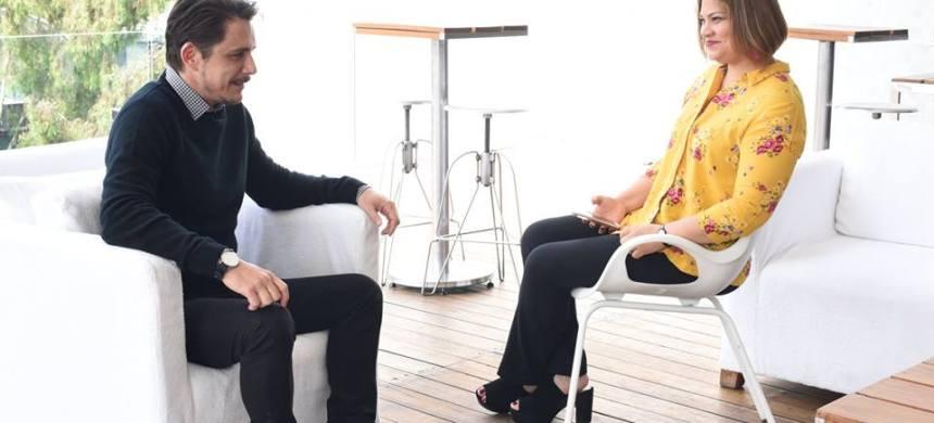 Petrônio Gontijo en las entrevistas que realizó para diversos medios de comunicación, en la Ciudad de México.