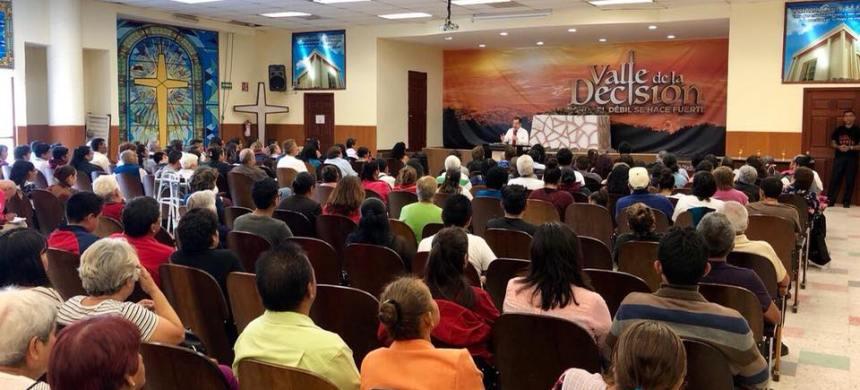 Concentración de fe en Ciudad Azteca