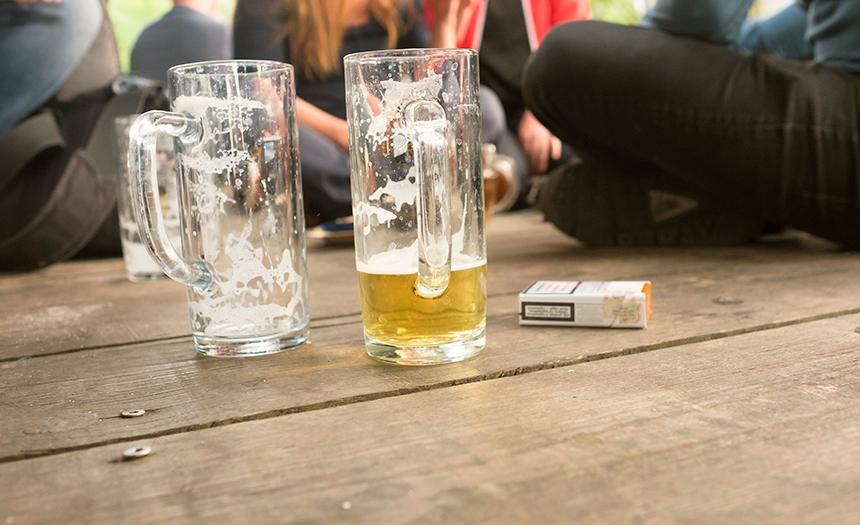 Amistades peligrosas: una puerta a las adicciones