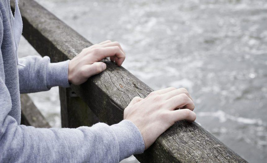 ¿Piensas en desistir de la vida? Podemos ayudarte…