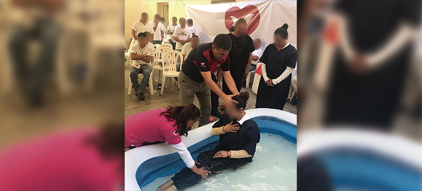 El grupo UEC México bautizó a 153 reclusos