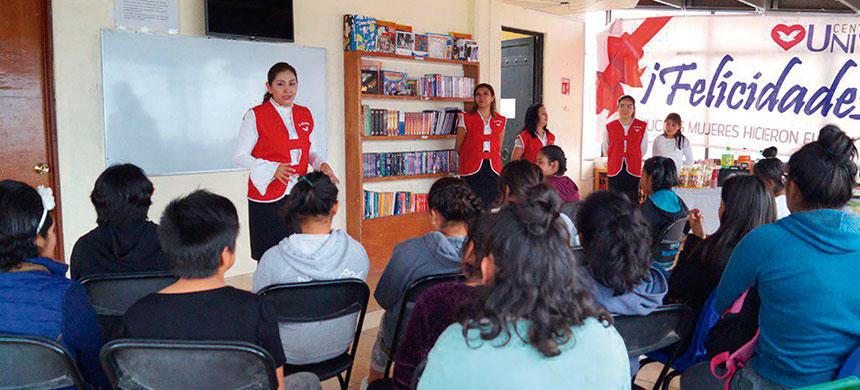 Voluntarias de T-Ayudo comparten tarde amena con jóvenes de Casa Hogar