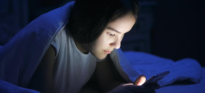 Tecnología: ¿uso en exceso puede afectar la salud física y mental de los niños?