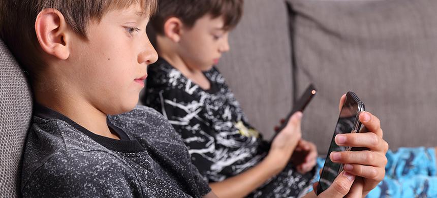 Las pantallas les causan a los niños problemas a largo plazo