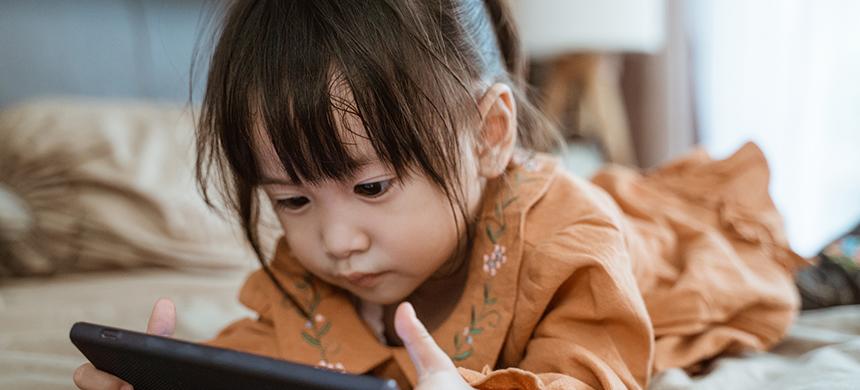El uso excesivo de las pantallas afecta a los niños