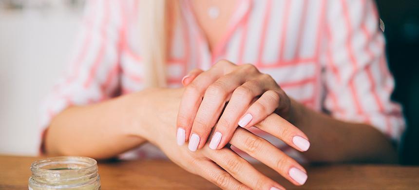 Estos 3 consejos te ayudarán a cuidar tu piel durante el invierno