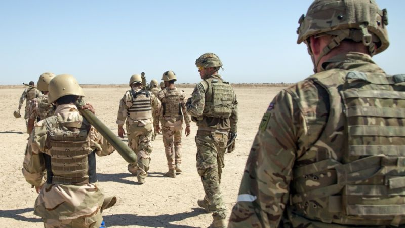 UK Soldiers Training Iraqi Troops