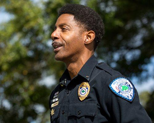 Juramentan a nuevo jefe de policía de la ciudad del North Charleston