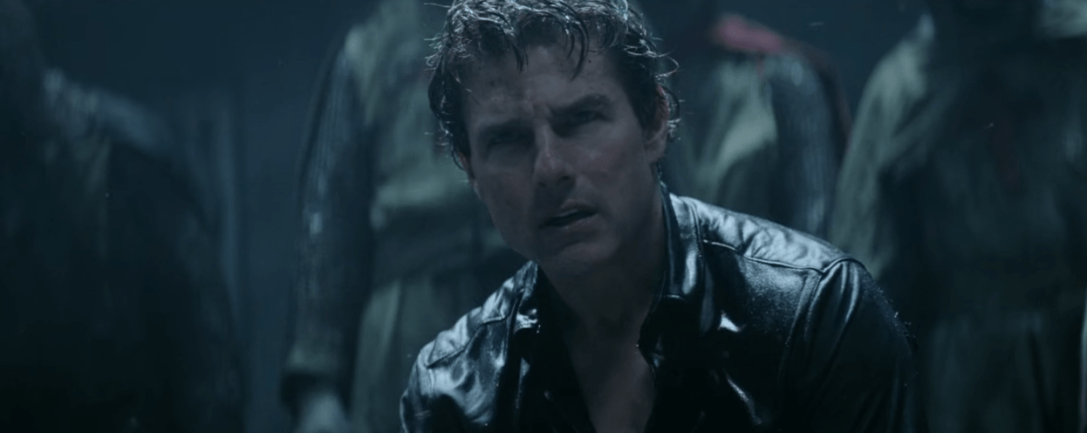 "Witness The Beginning of a Dark Universe - New ""The Mummy"" TV Spot!"