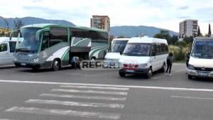 Rinis punën transporti ndërqytetas në rrethe, në terminalet e Tiranës pasagjerët me maska! Në pikëpyetje urbanët e kryeqytetit