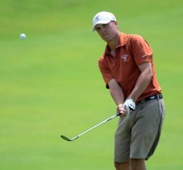 Jordan Spieth compitiendo con los Longhorns antes de convertirse en jugador del PGA Tour.