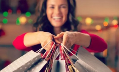 8 Ways to Avoid Overspending on the Holidays