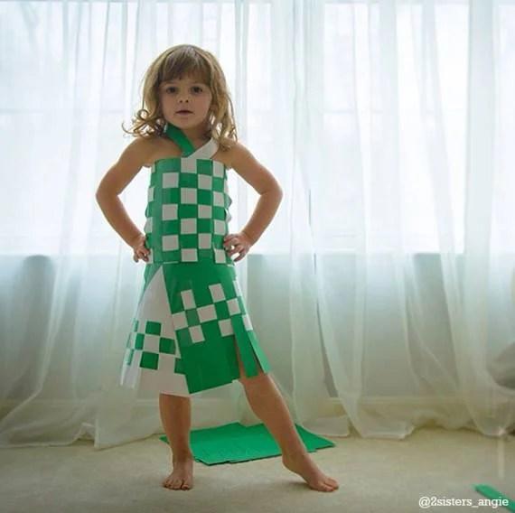 bimba vestiti carta verde scacchi