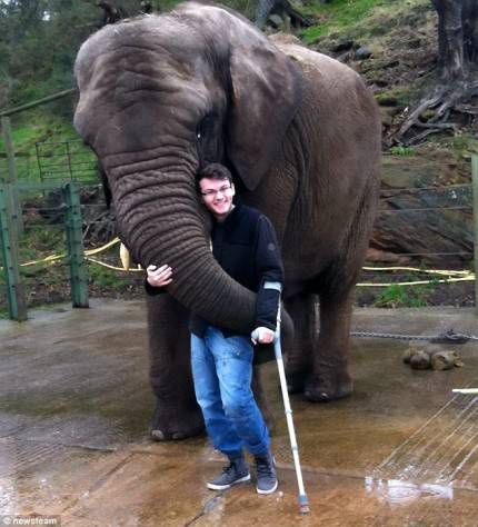 stephen sutton con elefante