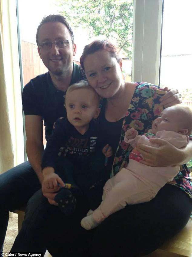 famiglia con 2 bambini
