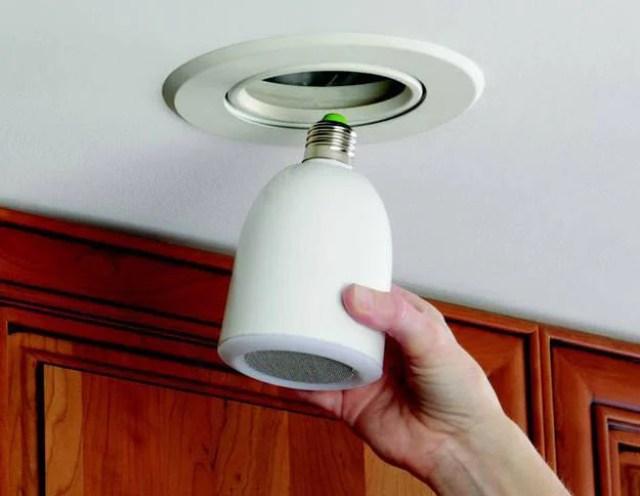 4 lampadina altoparlante