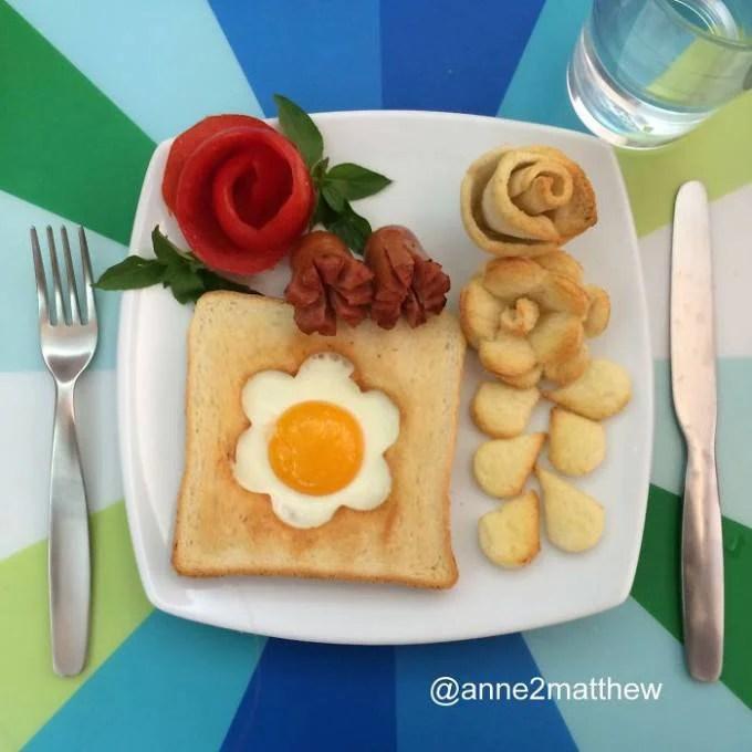 fiorellino uovo su pane tostato