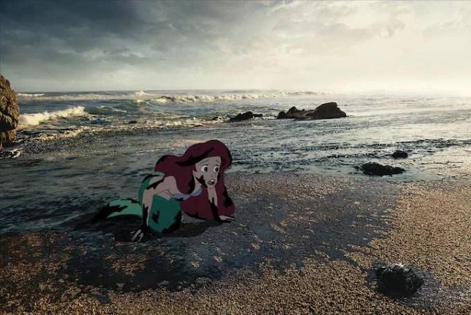 la sirenetta su mare inquinato