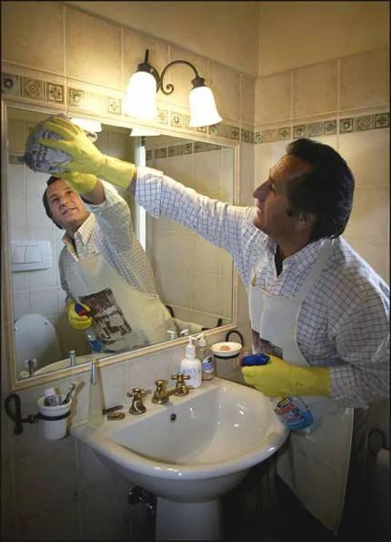uomo casalingo