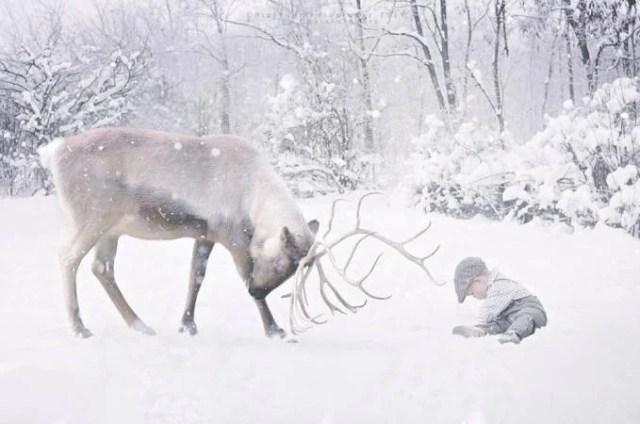 bimbo con renna