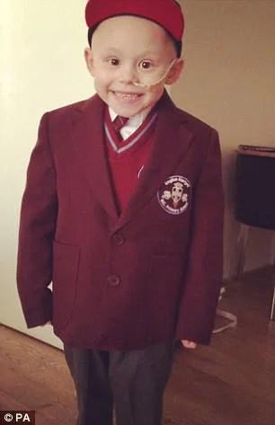 bimbo vestito scuola