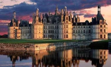 Capa 3 - Os Mais Belos Castelos e Palácios