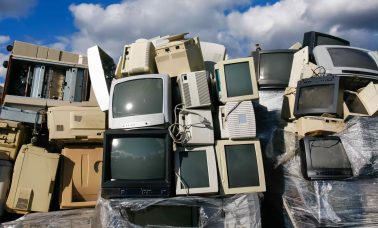 Lixo Eletrônico scaled - Conheça O Decreto Que Obriga Empresas A Recolherem Lixo Eletrônico