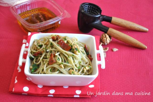 spaghetti aux noix tomates séchées sauce pourpier