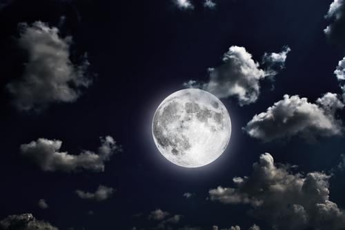 金運アップは満月にお願いしよう!月のパワーでおまじない