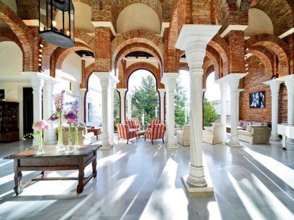 10 hotel lobbies you 39 ll want to live in - Hotel bobadilla granada ...