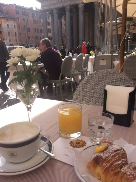 Breakfast at Ristorante di Rienzo with view of the Pantheon