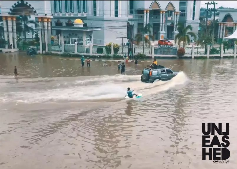 WAKEBOARDING-FLOODS